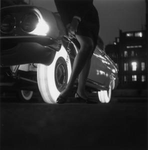 """Продукт компании производящей шины """"Goodyear"""" - светящиеся шины, которые подсвечивались изнутри"""