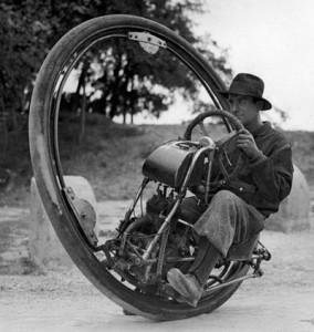 Одноколесный мотоцикл, развивающий скорость 150 км/ч (Италия, 1931)