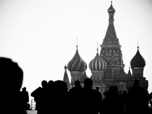 Память, выпавшая из времени: российские официальные конструкции памяти