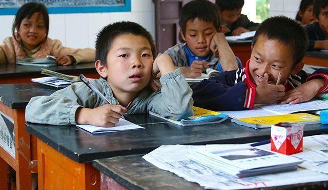 Школьники и студенты в Китае очень хорошо учатся. Но при этом живут в страхе и стрессе